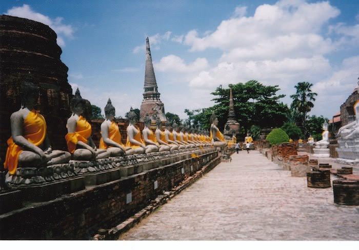 何十体もの仏像