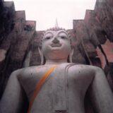 ワット・シィー・チュムの巨大仏像