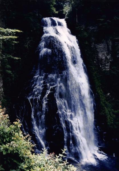 乗鞍高原にある三大滝のひとつ「番所大滝」