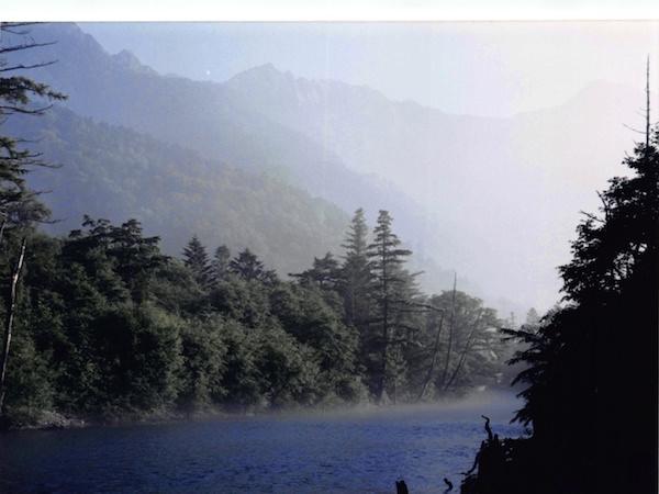 上高地の散策路「梓川コース」