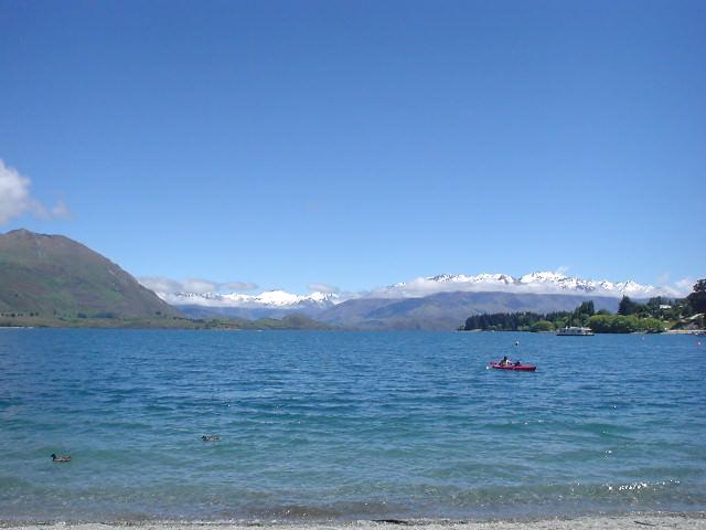 ワナカ湖 - ニュージーランド
