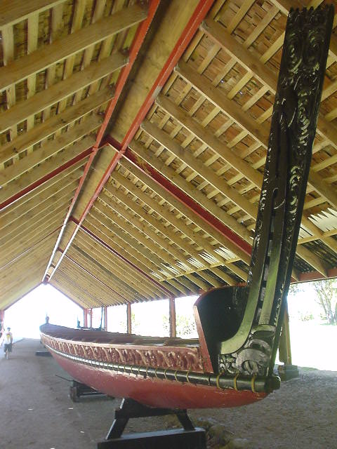 マオリの戦闘用カヌー