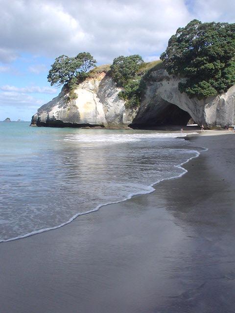 カセドラル・コーブ - ニュージーランド