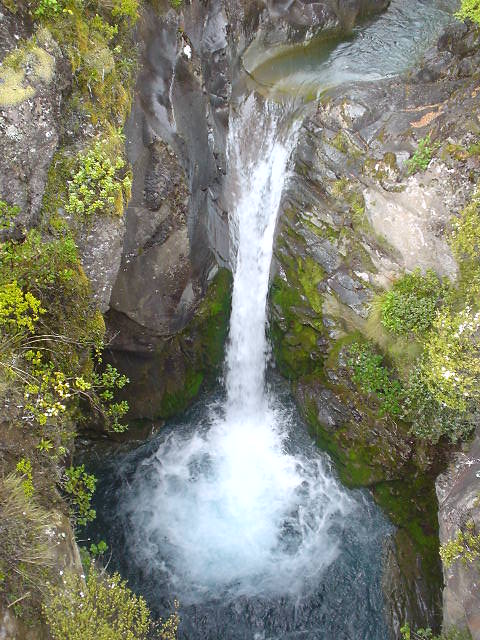 滝 - トンガリロ・ノーザン・サーキット - NZトレッキング