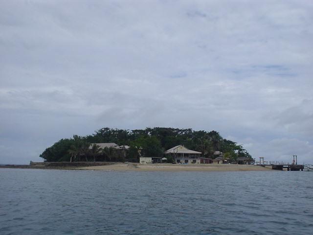 ポートビラからボートで渡る孤島にある宿