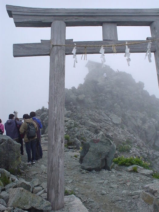 雄山神社の鳥居