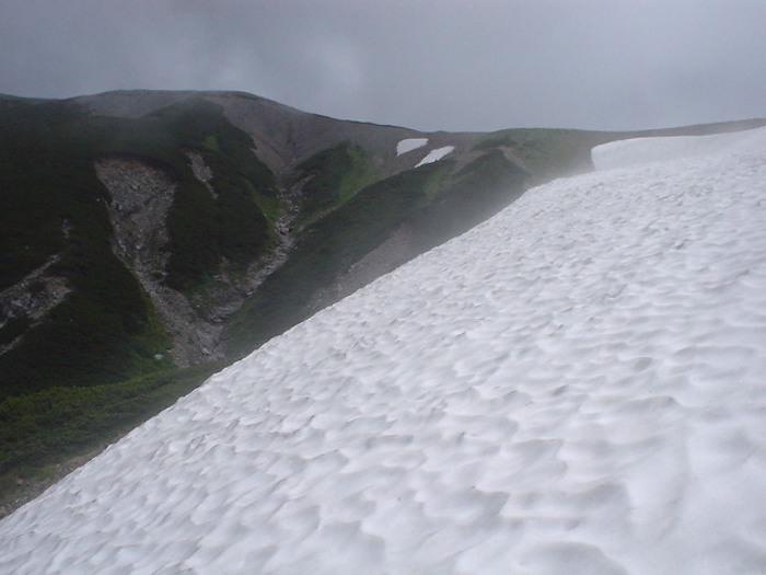 雷鳥平へ下山するルート「大走り」
