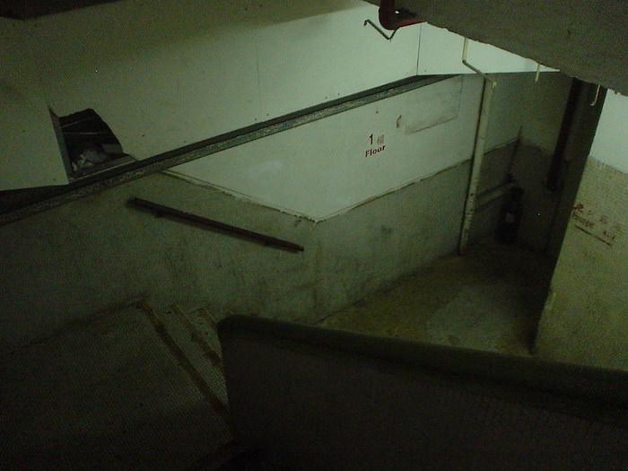 重慶大厦の中の階段