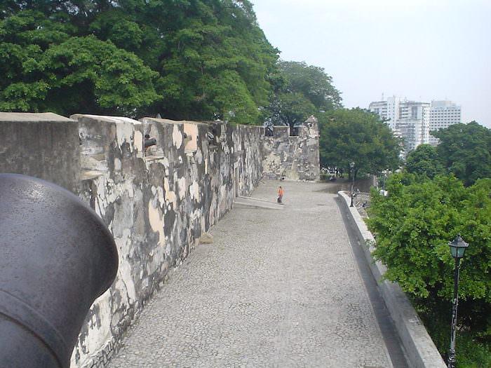 モンテの砦の大砲台