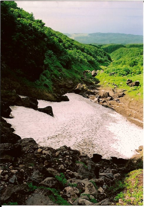 羅臼岳トレッキング 雪渓