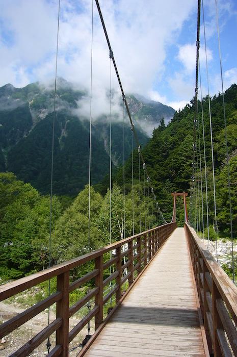 横尾から涸沢方面への吊り橋