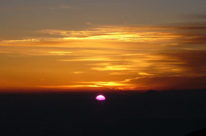 穂高岳山荘からの朝日
