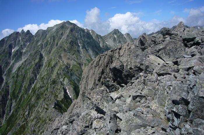 前穂高岳山頂から見た奥穂高岳
