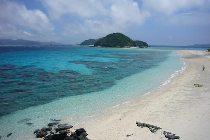 座間味島のビーチ