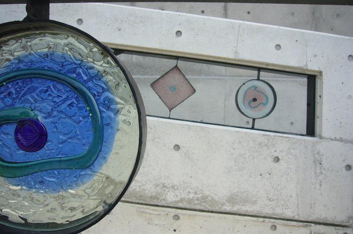 琉球ガラスで建物の装飾