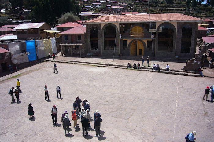 タキーレ島の上にある広場