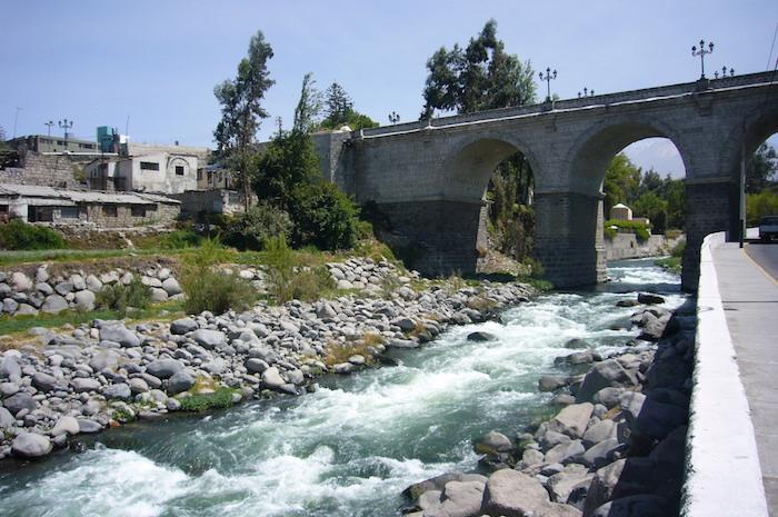アレキパを流れるチリ川
