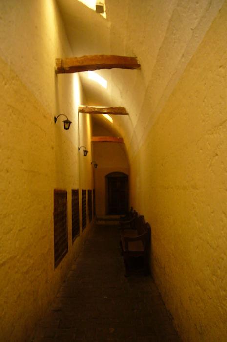サンタ・カリナ修道院内の通路
