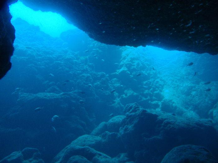 宮古島ダイビング地形を楽しむ