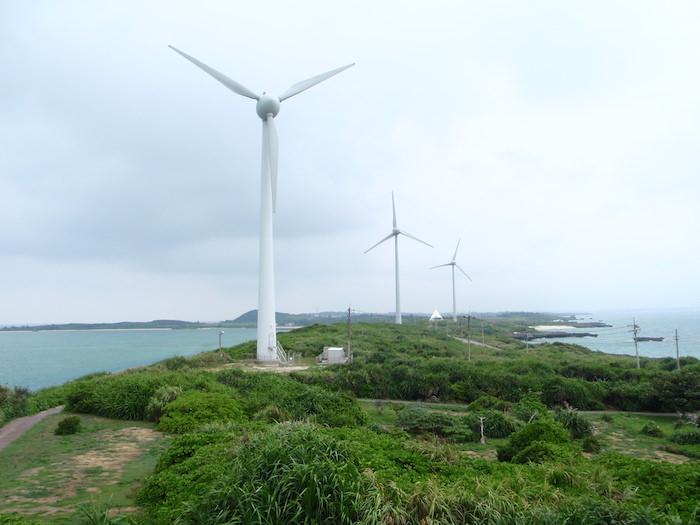 伊良部島の風力発電