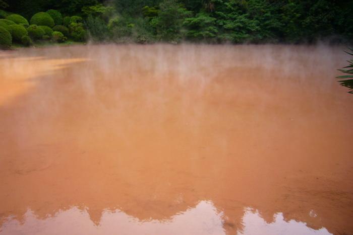 血の池地獄の赤いお湯