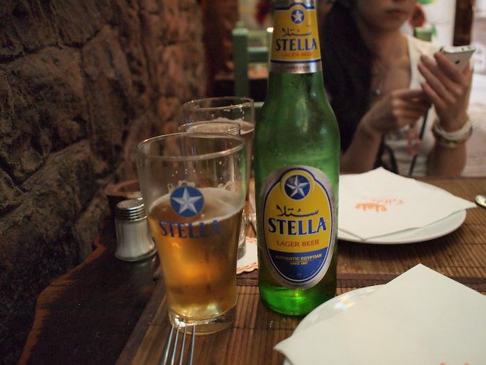 エジプトで飲んだビール「STELLA」