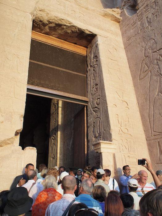 アブ・シンベル神殿の入り口