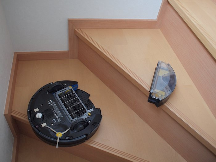 ルンバが階段から落ちた