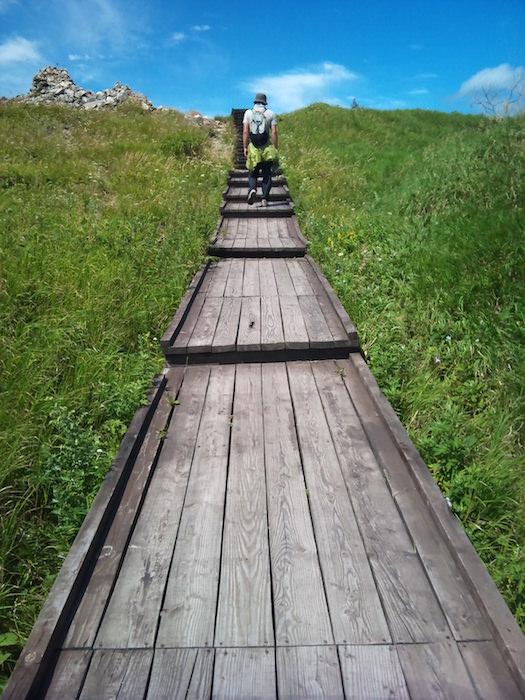 美ヶ原高原美術館から遊歩道