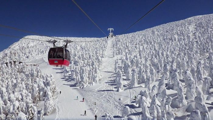 山形蔵王温泉スキー場ゴンドラ
