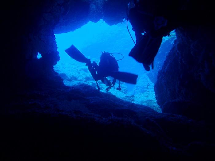 与那国島ダイビング 洞窟