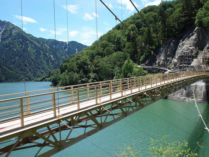 黒部ダム散策路にあった吊橋