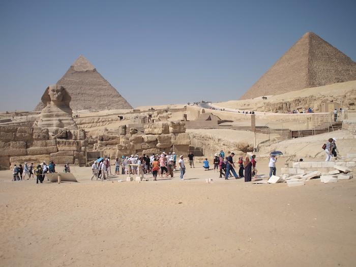 スフィンクスとクフ王・カフラー王のピラミッド