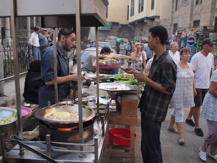 ズウェーラ門地区の市場