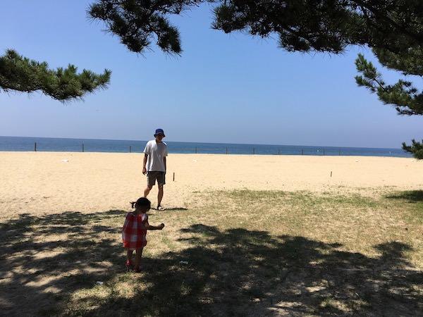 あわじ浜離宮の目の前のビーチ
