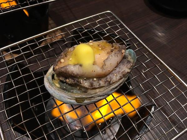 あわじ浜離宮の夕食(アワビの踊り焼き)