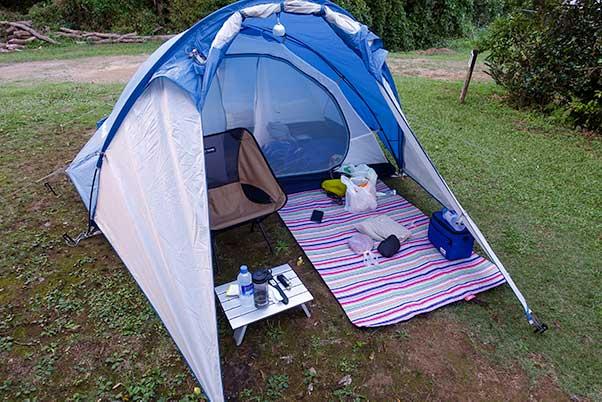 コールマン レジャーシートミニでテントスペースを快適に