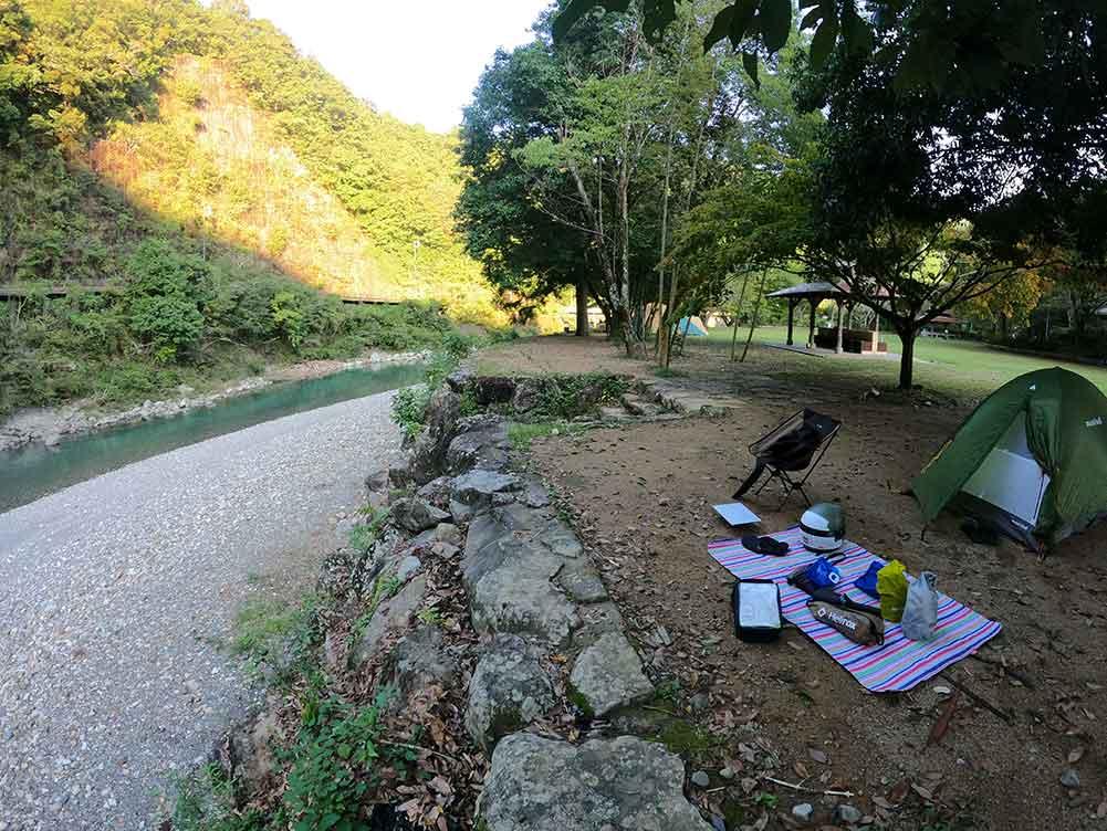 川湯野営場木魂の里でキャンプ