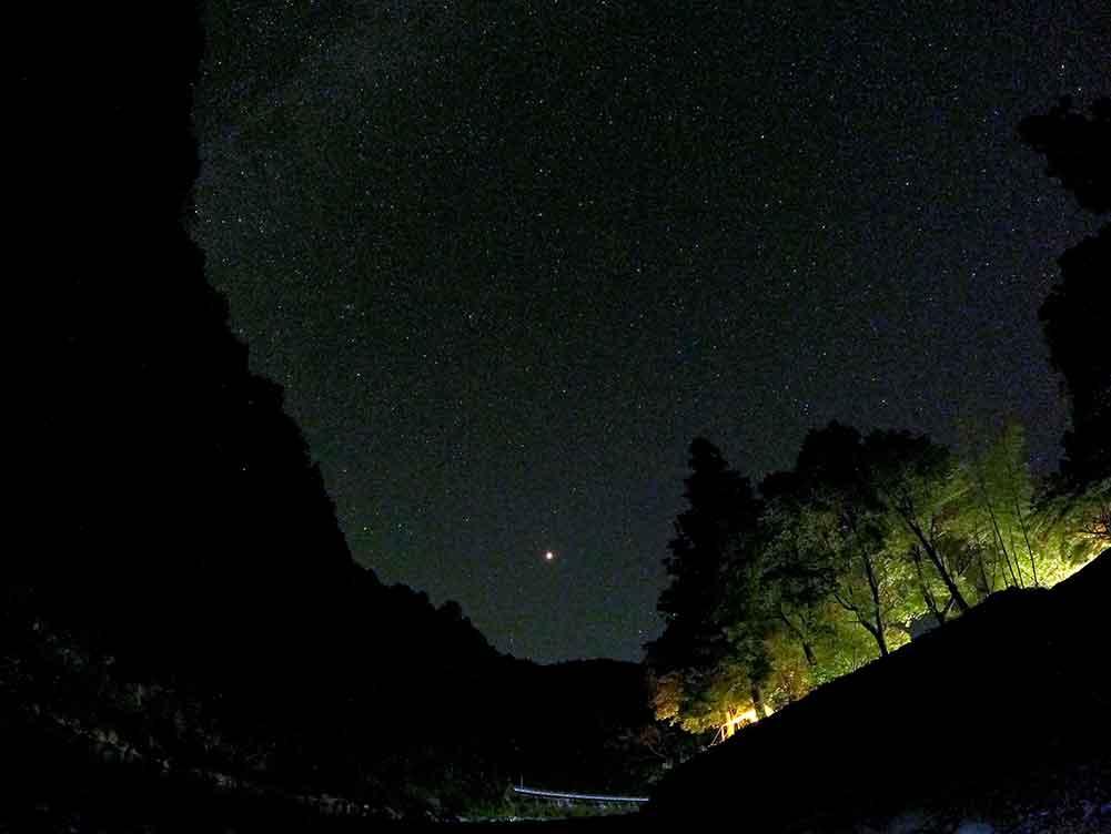 川湯野営場木魂の里でのキャンプで満点の星空