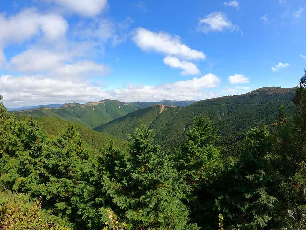 高野龍神スカイラインの「ごまさんスカイタワー」からの景色