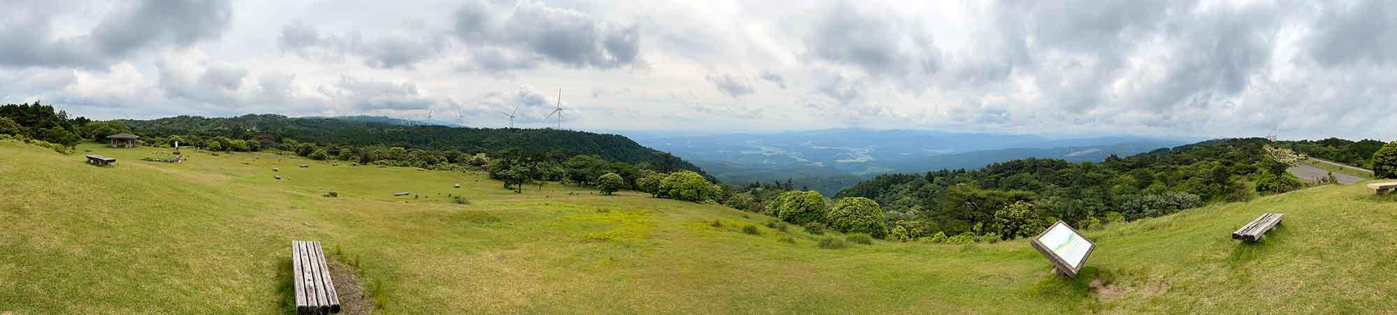 青山高原の三角点からパノラマビュー