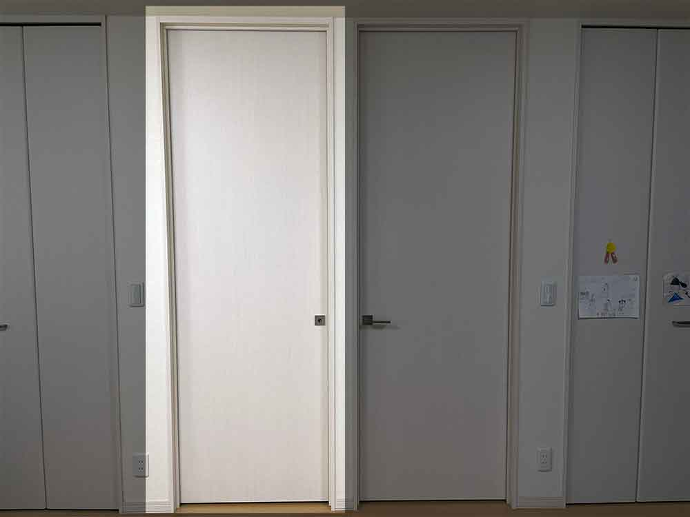将来的に子供部屋を仕切るための2つのドア